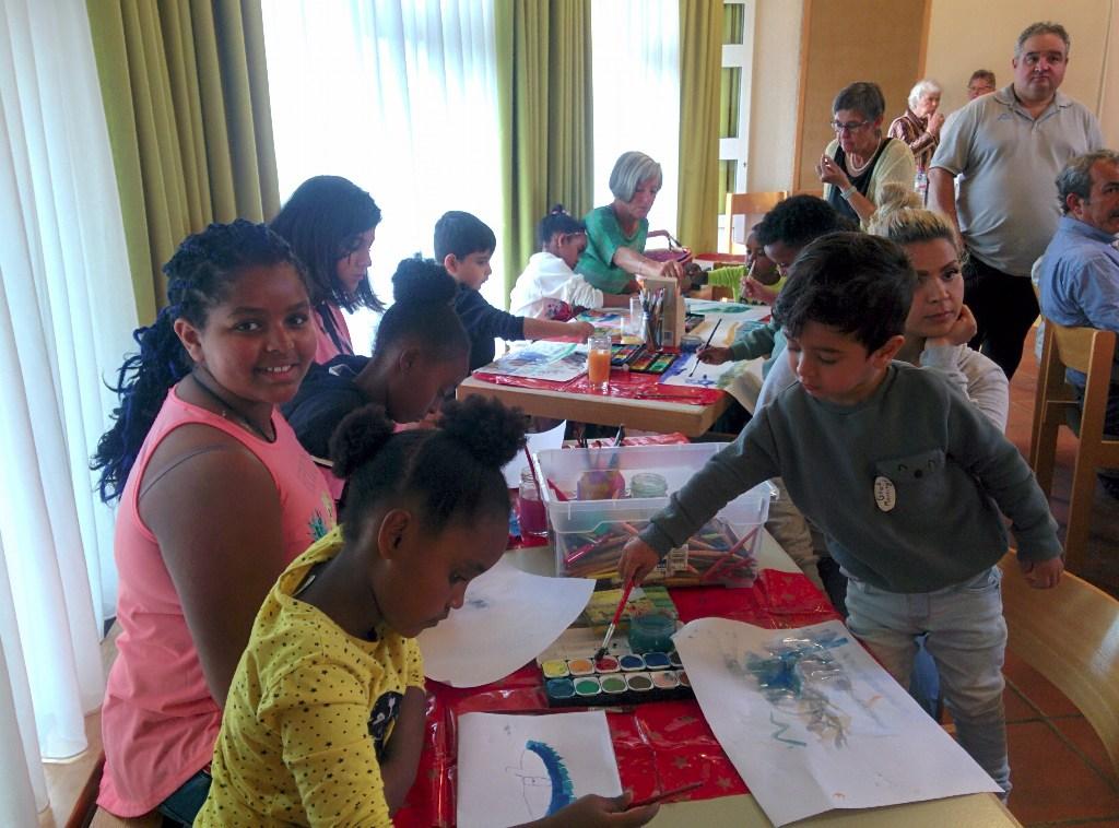 Interkulturelle Woche, Bild mit Kindern im Gemeindehaus Stetten